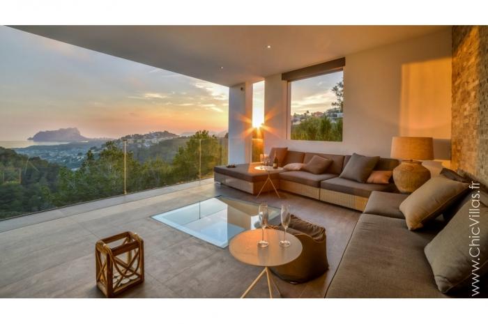 Location villa de luxe surplombant la vallée sur la Costa Blanca
