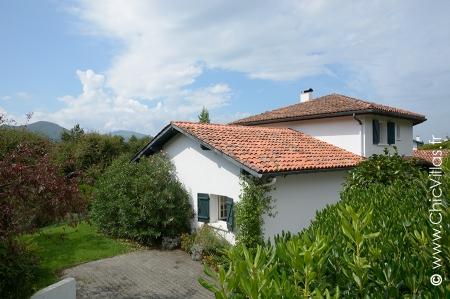 Villa Vert Basque - Location de Villas de Luxe avec Piscine en Aquitaine / Pays Basque | ChicVillas